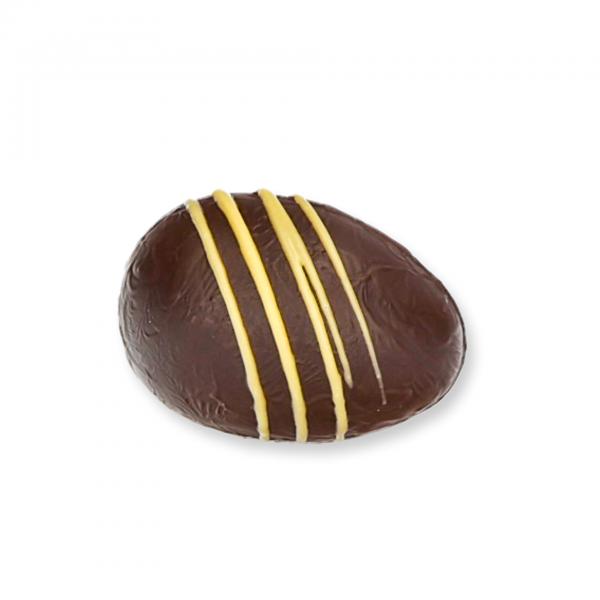 Zartbitter-Schokolade-Ei mit Orangenmarzipan-Fülle
